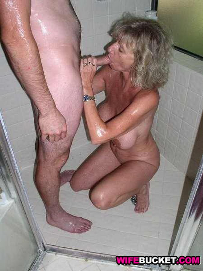 Amateur milf wife exposed