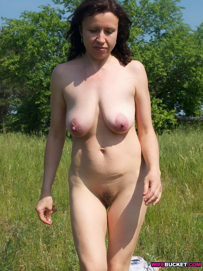 Nextdoor MILF slutsgetting famous on the internet - click here to see ...